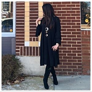 Dresses & Skirts - Black bell sleeve loose fit dress
